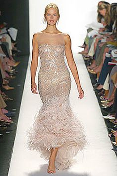 Oscar de la Renta   Feather Gown