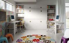 Camas abatibles, con un bonito diseño y muy prácticas, más estanterías y dos completos escritorios.