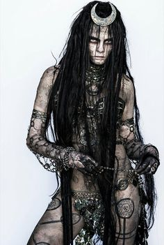 I didnt care much for the Suicide Squad, but wow, was that Enchantress scary looking!