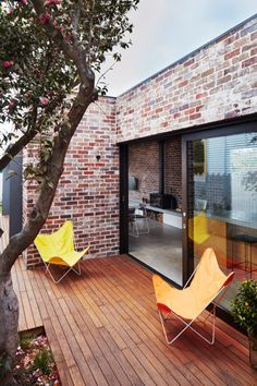 Those Architects have transformed a small semi detached Sydney house into a light-filled home for a young family. Addition to Maroubra House