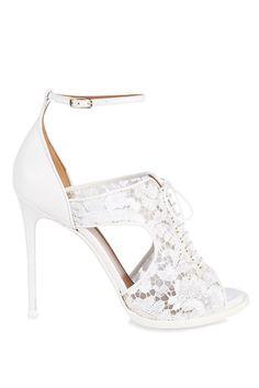 Los zapatos -definitivos- de tu boda © Givenchy