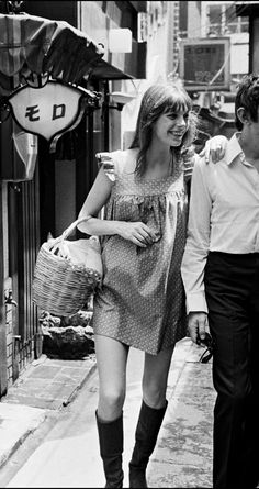 Jane Birkin Style Année 60, French Girl Style, French Girls, Style Icons, 1960s Fashion, Vintage Fashion, Gainsbourg Birkin, Serge Gainsbourg, Stage Outfit
