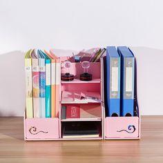 Cardboard Organizer, Cardboard Crafts, Study Room Decor, Diy Room Decor, Home Decor, Desk Organization Diy, Diy Desk, Magazine Crafts, Paper Crafts Origami