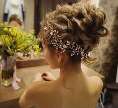 今日は正月旅行も一緒に行く大切な友達の結婚式だったので頑張って来ました💪 本当に素敵だった👰 心から おめでとう💐 Bride Hairstyles, Cute Hairstyles, Up Styles, Hair Styles, How To Make Hair, Bridal Style, Asian Beauty, Bridal Hair, Braids