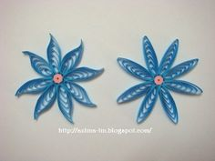 Video tutorial on how to make cascading loops flower using a quiling comb