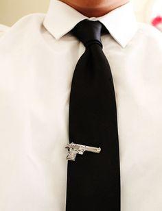 Clip de corbata en forma de pistola   La Guarida Geek
