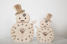 Rustic Snowman wooden clock-Plywood craft clock -Living room decoration-Christmas gifts-By iWood Crafts LLC.
