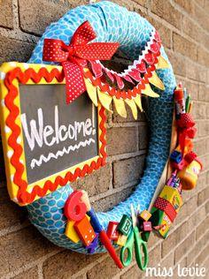 Schuleinführung Deko Kranz – First day of school wrath – Back to School Teacher Wreaths, School Wreaths, First Day School, Back To School, School Stuff, Fabric Wreath, Unicorn Cupcakes, School Events, School Decorations