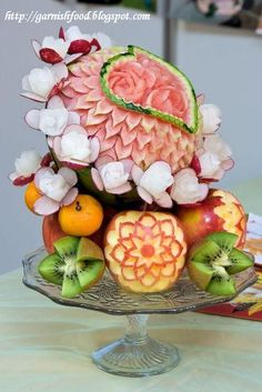 Fruit Carving Arrangements and Food Garnishes: Romantic Fruit Carving Display: