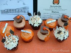 How cute are these graduation cap and diploma cupcakes? Graduation Desserts, College Graduation Parties, Graduation Cupcakes, Graduation Celebration, Graduation Ideas, Dessert Buffet, Yummy Cakes, Amazing Cakes