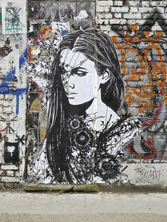 Monsieur Qui #ravenectar #streetart #art #graffiti #dope #color