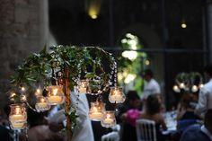 allestimento con fiori e candele www.lecerimonie.it