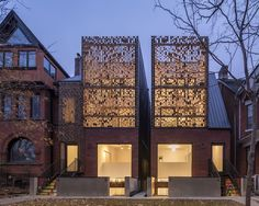 Completed in 2016 in Toronto, Canada. Images by Doublespace Photography. The Double Duplex infill project is located on Melbourne Avenue in Toronto's Parkdale neighbourhood, notable for its century-old Victorian and Bay...