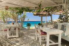 Hippie fish #Mykonos Restaurant On The Beach, Outdoor Restaurant, Mykonos Island, Santorini Greece, Holiday Places, Holiday Destinations, Beach Cafe, Shabby Chic, Spain Travel