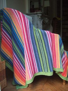Magic Blanket n°1, free pattern by corandcos. See for instructions under her notes.