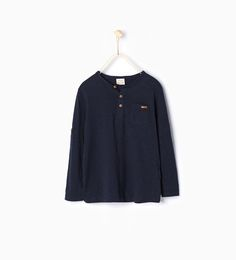 Image 1 de T-shirt en coton organique de Zara