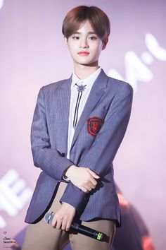 """""""Darling, your age might be eighteen already, but in my heart the only number related to you is one - my forever number one   - A THREAD DEDICATED TO MY ONE AND ONLY LOVE LEE DAEHWI ON HIS SPECIAL DAY ❣️  #대휘야_태어나줘서_고마워"""""""