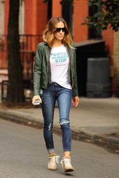 Los jeans rotos, pitillo (chupines) y doblados! Sarah Jessica Parker