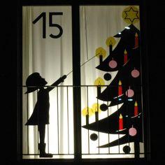Billedresultat for Adventsfenster Christmas Window Display Retail, Christmas Shop Displays, Christmas Window Decorations, Christmas Door, Kids Christmas, Advent Calenders, Kids Calendar, Window Art, Origami