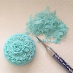 Soap carving and a carving knife.Roses and swirls. Diy Soap Carving, Soapstone Countertops, Oddly Satisfying Videos, Soap Packaging, Soap Recipes, Handmade Soaps, Soap Making, Swirls, Creative Art