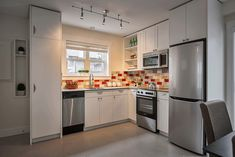 tony-braden-little-house-smallworks-studio-2 great use of space here; love the tile backsplash! 2br/2ba, 670ft2