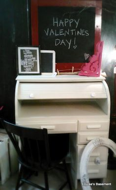Rollertop desk- I own one of these but I want to decorate it!