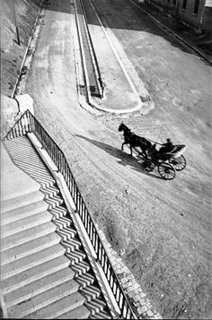Carriage, Henri Cartier-Bresson  France, Marseille. 1932