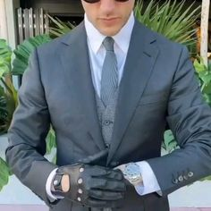 Leather Driving Gloves, Style Men, Men Looks, Suit Jacket, Mens Fashion, Men With Style, Moda Masculina, Man Fashion, Man Style