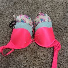 5 Victoria secret bras Two of these has only been worn once and the other three maybe 5 times at the most. Welcome to make an offer PINK Victoria's Secret Other