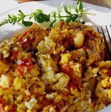 Το πιο απλό καλοκαιρινό φαγητό με μόλις τέσσερα υλικά. Προϋπόθεση οι ώριμες καλοκαιρινές και νόστιμες ντομάτες
