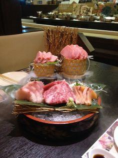 Sashimi Sushi, Sushi Lunch, Vegan Foods, Child Models, Japanese Food, Delish, Keto, Gardening, Drink