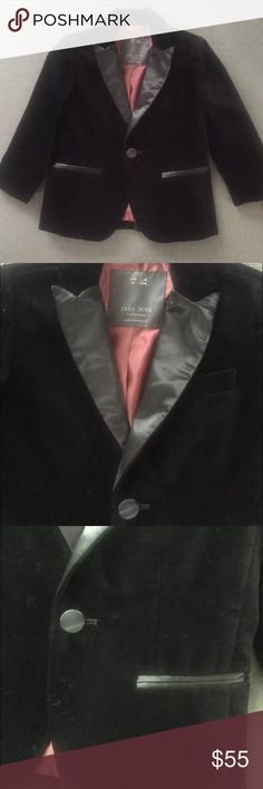 "Zara Toddler Boy Velvet Jacket Zara Toddler Boy Velvet tuxedo jacket  Size 4 Shoulder to shoulder 10"" Length 17"" Chest 12 1/2"" Arms 13 1/2"" Zara Jackets & Coats Blazers"