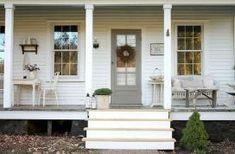 Rustic Farmhouse Front Porch Decorating Ideas (11)
