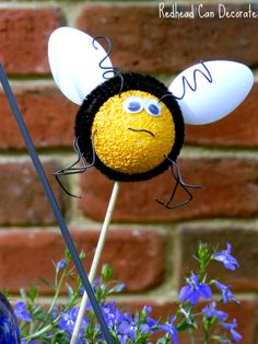 Make Bees with Kids Using Foam Eggs & Plastic Spoons