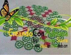 NAVIDAD - CREANDOCONADRIANA Beading Patterns, Beading Ideas, Doilies, Diy And Crafts, Symbols, Christmas, Seed Beads, Farmhouse Rugs, Beaded Christmas Ornaments