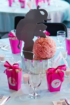Loving this elephant centerpiece for a circus themed birthday party {Photo by Jennifer Weems Photography}