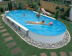 20 Creative Swimming Pool Design Ideas Offering Great Inspirations for Yard Landscaping – backyard design ideas Above Ground Pool Landscaping, Above Ground Pool Decks, Small Backyard Pools, Backyard Pool Landscaping, Backyard Patio Designs, Backyard Projects, In Ground Pools, Outdoor Pool, Landscaping Ideas
