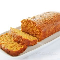 The Best Moist Pumpkin Bread... Moist Pumpkin Bread - see what is the trick to keeping it super moist! - kitchennostalgia.com