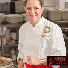 """""""Para mí la cocina es la manera de festejar la vida, de darle sabor a mi deseo de servir a los demás con lo mejor de mi"""", dice nuestra chef, Anita Botero."""