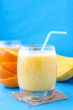 Fouringredient Orange Creamsicle Smoothie(ice doesn't count!) | No added sugar, dairy free & easy to make. | Paleo + Vegan + Low FODMAP