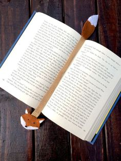 This listing is for one bookmark. These adorable felt animal bookmarks would love to keep cozy in the pages of your favorite book. great for