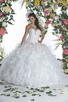 Custom quinceanera dresses in bright colors! These quince dresses can be made in any color. Lots of vestidos de quinceanera to choose from. Two Piece Quinceanera Dresses, Robes Quinceanera, Quinceanera Ideas, Wedding Dresses Plus Size, Bridal Wedding Dresses, Dresses For Sale, Homecoming Dresses, Bridesmaid Dresses, Dress Prom
