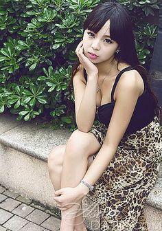 Nós esperamos que você aproveite nossa galeria de fotos;  Mulher asiática Yan Americana
