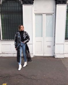 Weekend London outfit. Transparent trench coat/mac, white ankle boots, black roll neck @shelley.lochrie #asos #cleartrench #londonfashion #outitinspo