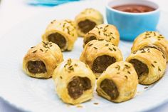 Pork and Fennel Sausage Rolls by Taste. These tasty pork and fennel sausage rolls are the adult version of the party favourite. Healthy Sausage Rolls, Homemade Sausage Rolls, Best Sausage, How To Cook Sausage, Vegetarian Starters, Tacos, Pork Recipes, Lunch Recipes, Pizza