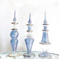 エジプト香水瓶がおしゃれ。異国情緒あふれる美麗な瓶をインテリアに | iemo[イエモ]