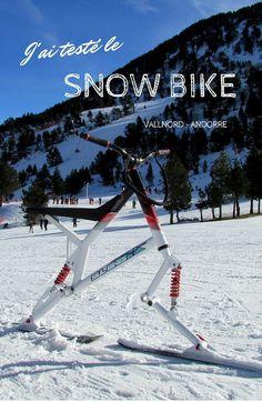J'ai testé le snow bike, une sorte de vélo sur neige.C'est un engin original entre le vélo et le ski. Les roues du vélo sont remplacées par des skis et les pédales ne servent que comme repose-pieds. Par contre, le snow bike est équipé d'une selle et d'un guidon et se conduit (presque) comme une bicyclette qu'on n'utiliserait qu'en descente.