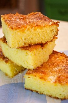 "Sweet Corn Cake - Sounds weird I know, but its a speciality of Roxannes, special reunionnaise name for it I forget, starts with ""t"". Lots of yummy vanilla and smells amazing. Try it!"