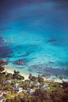 Tropical beach, Seyc