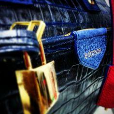 adorada carteras. Blue leather, golden padlock